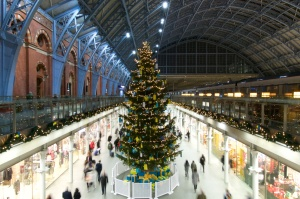 St Pancras Eurostar Christmas Tree 1