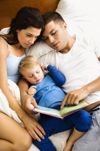 mum_baby_reading