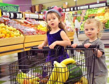Grocery-shopping-with-kids-002-768x595